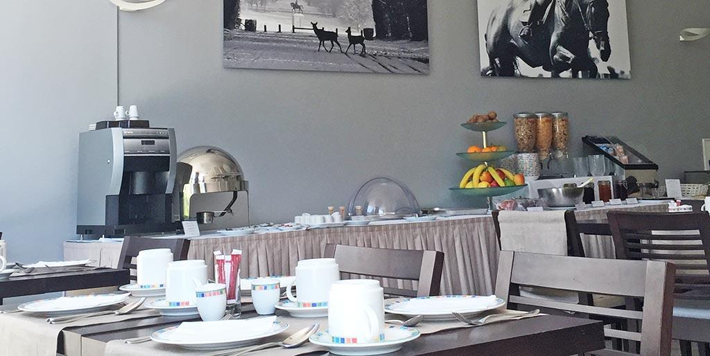 10-hotel-chantilly-salle-petit-dejeuner